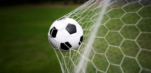 Fu-ball-ASV-verl-ngert-mit-dem-Trainer