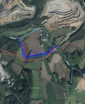 Wer den Sportplatz Erbacher Berg in Richtung Velbert passiert kommt in Bereich, wo der Silberberger Weg verlegt wird (rot markiert). Quelle: Lhoist