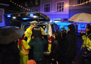 Die Polizei beim Adventürchen. Foto: TME