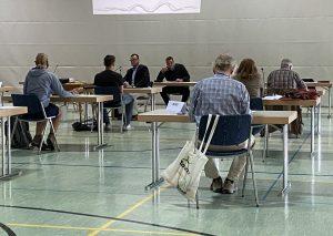 Die Sporthalle Goethestraße wird wieder zum Sitzungssaal. Foto: TME