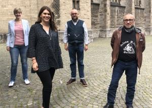 Desiree Bruver-Leske und Vanessa Witte (Metzkausen) sowie Christoph Schulze und Dirk Klotzky (Innenstadt, v.l.) informierten über die Absage. Foto: TME