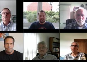 Sprachen mit Taeglich.ME-Redakteur Philipp Nieländer (unten links): Jan Söffing (FDP, oben links), Florian Peters (SPD, oben Mitte), Jürgen Gutt (Piraten/Linke, oben rechts), Dr. Richard Bley (CDU, unten Mitte) und Nils Lessing (Grüne, unten rechts). Foto: Screenshot
