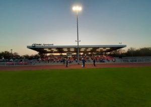 Politik-Talk unter Flutlicht: Gestern Abend im Lhoist Sport-Park. Foto: TME/MM
