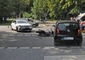 Der VW Golf der 79-Jährigen stieß mit dem Motorrad des Solingers zusammen. Foto: Polizei