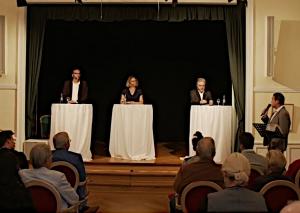 Die Kandidaten Nils Lessing, Sandra Pietschmann und Amtsinhaber Thomas Dinkelmann wurden von Tanja Bamme und Philipp Nieländer befragt. Foto: Screenshot