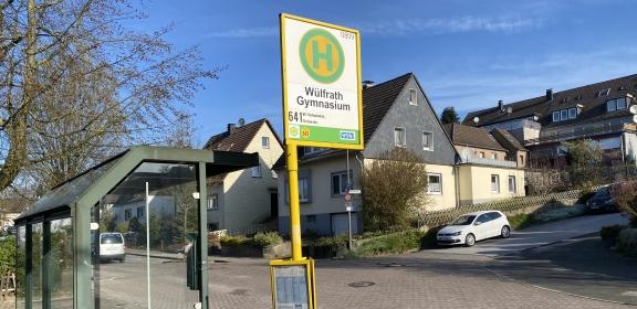 Die-neue-Bushaltestelle-Gymnasium-