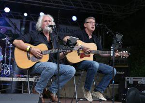 Ernst & Miro bei einem Live-Konzert. Foto: Ernst & Miro