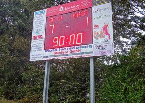 SC Velbert 7, FC Mettmann 1, so stand es am Ende deutlich auf der Anzeigetafel / Foto TME